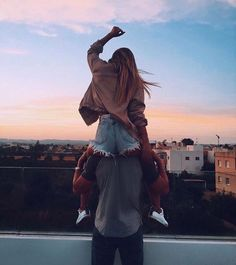 Looking for a sweet love message to send Bae? Check out our list of 50 short and sweet love messages to text your girlfriend or your boyfriend. Cute Relationships, Relationship Goals, Couple Tumblr, Girls Heart, Couple Goals Cuddling, Boyfriend Goals, Boyfriend Girlfriend, Boyfriend Messages, Lovey Dovey