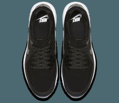 1d44410b75ca The Air Max golf shoe combines the iconic silhouette of the Nike Air Max 90  with the latest Nike golf footwear performance features.