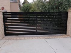 10 Ingenious Cool Tips: Natural Fence Bamboo folding fence gate.Backyard Fence Tutorials old fence how to build.Cheap Fence How To Build. Front Yard Fence, Farm Fence, Backyard Fences, Fenced In Yard, Front Gates, Fence Landscaping, Pool Fence, Home Fencing, Garden Fencing