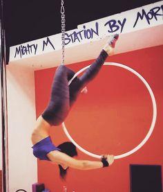 . Uz pomoć najdraže @octophantie ❤❤❤ . #poledance #aerialfitness #fitness #fitnessgirl #femalefitness #aerialhoop #lyra…