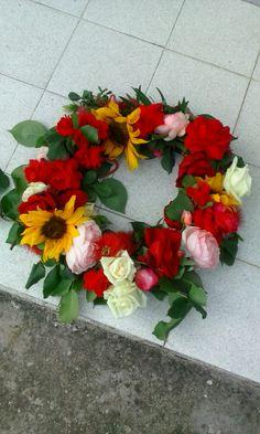 Καλό μήνα.... Floral Wreath, Wreaths, Jewelry, Home Decor, Floral Crown, Jewlery, Decoration Home, Door Wreaths, Jewerly