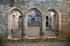 Bodium Castle England by ~NickiStock on deviantART Bodiam Castle, Castle Ruins, Isle Of Wight, East Sussex, Mosques, Cathedrals, 14th Century, Coast, England