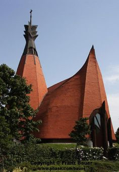Church in Siofok, Hungary -Makovecz Modern Church, My Church, Gaudi, Church Building, Building A House, Frank Lloyd Wright, Architecture Organique, Old Churches, Organic Architecture
