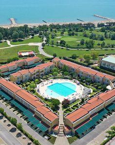 Taliansko, dovolenka pri mori, Caorle Altanea, Villaggio Acacie. Veľmi obľúbené, iba 200 m od piesočnej pláže, bazén pre deti a dospelých, záhrada, detské ihrisko, wifi, spoločný gril, parkovisko. Acacia, Baseball Field