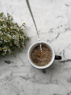 Coffee Shot, Coffee Break, Coffee Cups, Coffee Shop Photography, Coffee Artwork, Food Wallpaper, Coffee Packaging, Instagram Repost, Mini Desserts