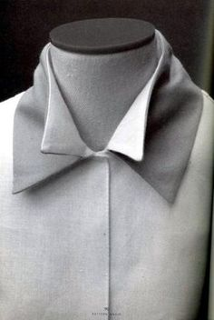 Shirt with double collar detail – creative patternmaking; fabric m… Shirt with double collar detail – creative patternmaking; fabric manipulation // Pattern Magic by Tomoko Nakamichi Pattern Cutting, Pattern Making, Textile Manipulation, Fashion Details, Fashion Design, Collar Designs, Collar And Cuff, Double Collar Shirt, Shirt Collar Pattern