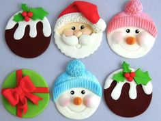 Christmas cupcake toppers - cookie by Alex Christmas Cupcake Toppers, Christmas Cake Designs, Christmas Cupcakes Decoration, Christmas Topper, Christmas Cake Pops, Fondant Cupcake Toppers, Christmas Clay, Christmas Sugar Cookies, Christmas Desserts