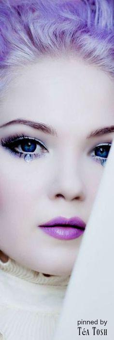 ❇Téa Tosh❇ Purple Lips, Shades Of Purple, Green And Purple, Deep Purple, Purple Haze, Beautiful Mind, Beautiful Women, Glamour Beauty, Periwinkle Blue