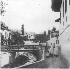 Tatar Crimea.Baqchisaray streets. В середине 17 века Бахчисарай насчитывал 2000 домов, треть из которых принадлежала грекам. В 1736 году город был полностью сожжён российской армией под командованием фельдмаршала Кристофа Миниха.