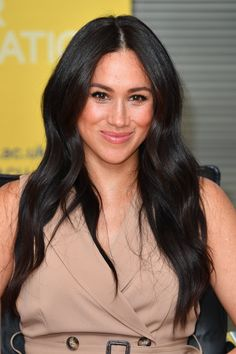 Meghan Markle is stepping back from her royal duties, so now is the perfect time to refresh her beauty looks. Here are 10 trends we'd love to see her try. Meghan Markle Hair, Meghan Markle Style, Princess Meghan, Prince Harry And Meghan, Prince Andrew, Princess Diana, Commonwealth, Duke And Duchess, Duchess Of Cambridge