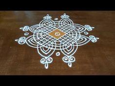 Indian Rangoli Designs, Simple Rangoli Designs Images, Rangoli Border Designs, Rangoli Designs With Dots, Beautiful Rangoli Designs, Simple Flower Design, Simple Flowers, Flower Designs, Diwali Rangoli