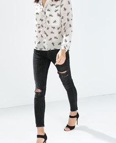 ZARA - WOMAN - MID RISE SKINNY JEANS WITH RIPPED KNEE