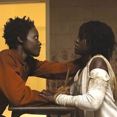 In a new interview, Jordan Peele explains what happened with Adelaide and Red in the twist ending of his movie Us. Best Horror Movies, Scary Movies, Good Movies, Horror Films, Horror Movie Costumes, Terror Movies, Elisabeth Moss, Mad Men, Grand Tour