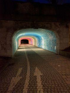 redlipstickresurrected:  francoisbry:  Street art in a subway at...