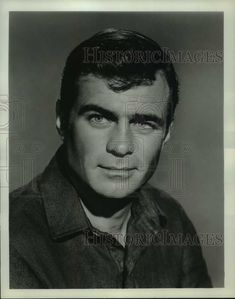 Big Jake Movie, Glenn Corbett, Newspaper Photo, Maureen O'hara, Star Trek Original Series, Tv Westerns, Actor John, Rare Images, Human Eye
