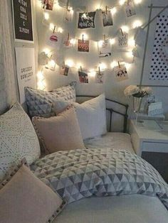 Teen Girl Bedrooms - A sweet and delightful take on styling information. For additional smart teenage girl room decor tips why not push the link to devour the post example 3311714968 today. Small Room Bedroom, Trendy Bedroom, Small Rooms, Modern Bedroom, Bedroom Ideas, Girls Bedroom, Diy Bedroom, Contemporary Bedroom, Bed Room