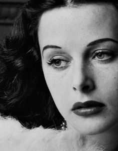 Hedy Lamarr.    Photographed by Alfred Eisenstaedt, 1938.