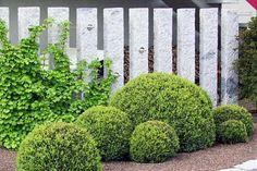 Clôtures de jardin en 59 idées ! Garden Deco, Garden Stones, Architecture, Plants, Design, Gardening, Fences, Barbecue, Outdoors