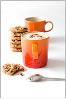 Packed in a stylish gift box, ideal for anyone who appreciates their morning tea or coffee and the perfect present for a house-warming, birthday or other festive occasions. From hot chocolate and coffee to single servings of soup and even desserts the Le Creuset Mugs, Le Creuset Stoneware, Stoneware Mugs, Coffee Mug Sets, Mugs Set, My Coffee, Coffee Time, Orange Mugs, Cappuccino Mugs