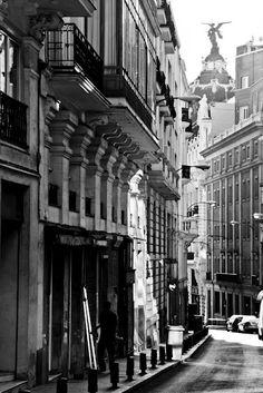 calle del caballero de gracia. Madrid