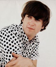John Lennon, banging in bangs and POLKA DOTSghjkafds, via beatlelinks Love John Lennon, John Lennon Beatles, Liverpool, El Rock And Roll, Beatles Love, Beatles Guitar, Lennon And Mccartney, The Fab Four, Ringo Starr