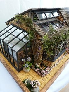 Garden room greenhouse Front 10 resized by Jo Med 2011 (The Lanterns a great garden room) Miniature Rooms, Miniature Houses, Miniature Greenhouse, Miniature Dollhouse, Miniature Gardens, Modern Dollhouse, Victorian Dollhouse, Cheap Greenhouse, Mini Greenhouse