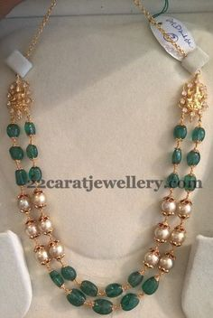 2 to 3 Layers Beads Sets - Jewellery Designs Pearl Necklace Designs, Gold Earrings Designs, Gold Jewellery Design, Bead Jewellery, Beaded Jewelry, Gold Designs, Emerald Jewelry, Gold Jewelry, Schmuck Design