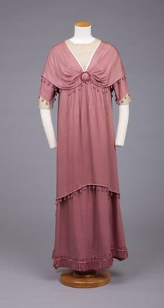 Fashions From History 1910 evening dress Goldstein Museum of Design