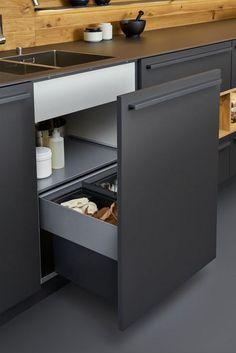 Beautiful black matt kitchen from Leicht, available at the Leicht Kitchen Design Centre. Home Decor Kitchen, Interior Design Kitchen, Kitchen Furniture, New Kitchen, Kitchen Ideas, Kitchen Lamps, Kitchen Time, Kitchen Fixtures, Kitchen Art