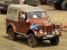 ARO M461 (1961) Romania (owner Dirk baumbach) pic1 - ARO (automerk) - Wikipedia Old Jeep, Jeep 4x4, Jeep Truck, 4x4 Trucks, Mercedes Gl, Mercedes Benz Unimog, Mercedes G Wagon, Offroad, Retro Cars
