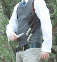 Throwing knife/Flask double shoulder holster by OwlVsOctopus – Willkommen bei Pin World Tactical Knives, Tactical Gear, Knife Holster, Holsters, Knife Throwing, Armas Ninja, Homemade Weapons, Ninja Weapons, Combat Knives