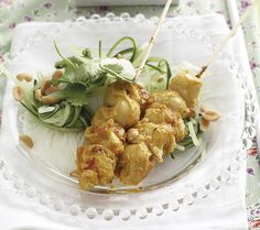 Peanut butter chicken sosaties ○Take the hassle of weeknight cooking with this dish – ready to eat in half an hour. Peanut Butter Chicken, Asian Recipes, Ethnic Recipes, Asian Foods, Easy Weekday Meals, Skewer Recipes, Weeknight Meals, Chicken Recipes, Recipe Chicken