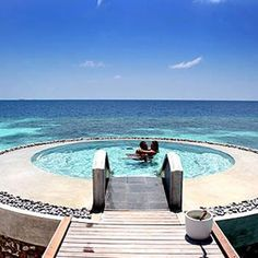 Maldives Island, natural sea beauty