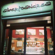 Venite a trovarci!  www.albertoandrea... Ti aspettiamo nella Gelateria AlbertoAndrea a Nichelino in via Torino, 149! Gelati, granite, affogati, sorbetti, semifreddi e molto altro! Vieni a provare il gelato Buono, che non se la tira!
