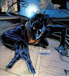 Nightcrawler pretending to be Spider-Man.