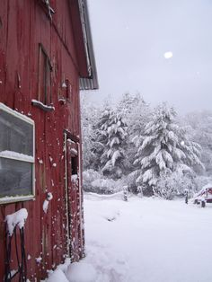 red barns + winter wonderland = <3<3<3<3<3