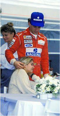 Ayrton and Adriane Grid Girls, San Marino Grand Prix, Formula 1 Car, Triumph, F1 Drivers, Racing Team, Car And Driver, Vintage Racing, Race Cars