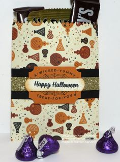Make quick and easy Halloween Treat Bags with candy for trick-or-treaters or friends or for party favors with the Mini Treat Bag Thinlits Dies. https://www.stampinup.com/ECWeb/ProductDetails.aspx?productID=144610&dbwsdemoid=54345