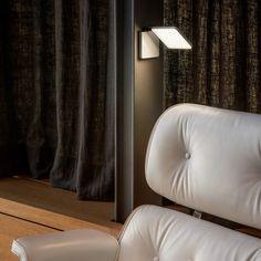 Die Roxxane Fly ist eine kabellose Akkuleuchte | mobile Akkuleuchte | LED-Leuchte | Nimbus Designleuchte | Wohnzimmer | Akkulampe #nimbus #roxxane #LED #portable #frankeleuchten #unsereideenleuchten Nimbus, Curtains, Design, Home Decor, Bedroom, Living Room, Insulated Curtains, Interior Design, Home Interiors