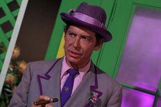 Batman,Louie, the Lilac Episode aired 26 October 1967 Season 3 Batman Cast, Real Batman, Batman Tv Show, Batman Tv Series, Batman Robin, Dc Comic Books, Comic Book Characters, Batgirl, Catwoman