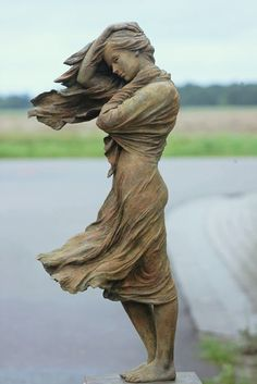 Luo Rong Li - Woman, Windy Day (Sculpture)