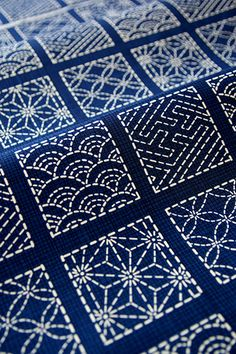 Sashiko.  Traditional Japanese fabric designs.--zentangle inspiration