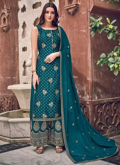 Blue Colour Dress, Teal Blue Color, Blue Art, Dark Teal, Bollywood, Teal Fabric, Chiffon Fabric, Silk Fabric, Fabric Art