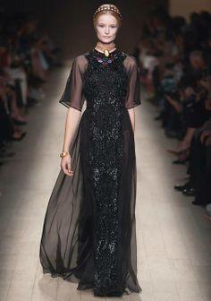 All Black Everything. Amor a este Valentino.