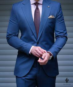 dark blue suits for mens Blue Blazer Outfit Men, Blazer Outfits Men, Blue Suit Men, Blue Suits, Navy And Black Suit, Royal Blue Suit, Men Dress Up, Suit Combinations, Mode Costume