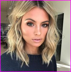 20 beste kurze Haare für welliges Haar You are in the right place about wavy hair sew in Here we off Cute Simple Hairstyles, Cool Short Hairstyles, Pretty Hairstyles, Short Hair Styles, Hairstyle Ideas, Fall Hairstyles, Hairstyle Short, Wavy Lob Haircut, Hairstyles For Medium Length Hair Easy