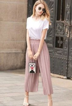 Women's Pleated Summer Pants - Discover Our Latest Collection of Women Trousers Trousers Women, Pants For Women, Clothes For Women, Clothes Sale, Women's Clothes, Linen Pants Women, Tennis Clothes, Trouser Pants, Office Outfits