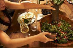Três receitas de molhos para deixar qualquer salada irresistível