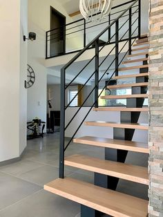 Stairs And Doors, Metal Stairs, House Stairs, Railing Design, Staircase Design, Modern Stairs Design, Cabin Interior Design, House Design, Industrial Stairs
