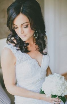 Wedding Photo: Bridal Portrait // From Bridal Musings — Photography by Corn & Lara Photography — Loverly Weddings Elegant Wedding, Wedding Bride, Dream Wedding, Rustic Wedding, Modest Wedding Gowns, Bride Gowns, Wedding Styles, Wedding Photos, Brunette Bride